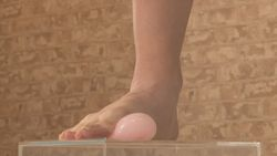 Water balloons packs of raw toes in crash (2)